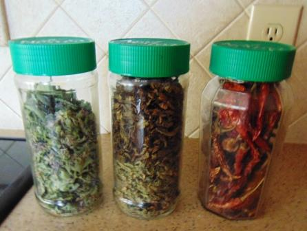 anise-hyssop-basil-red-pepper-jars-compressed
