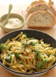 pasta-broccoli-and-pinenuts